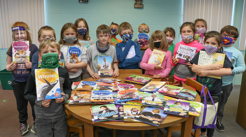 Ste. Genevieve Elementary Bobby G. Webb Library  Receives Annual Donation from Webbs
