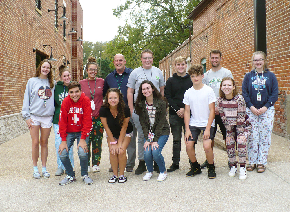 SGHS Principal Advisory Group Assists with  Ste. Genevieve Museum Learning Center