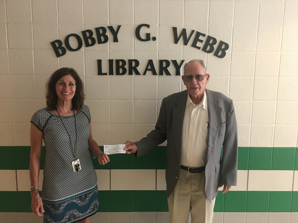 Ste. Genevieve Elementary Bobby G. Webb Library  Receives Annual Donation from Webb