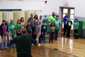 Ste. Genevieve Elementary Parents Join Physical Education Classes